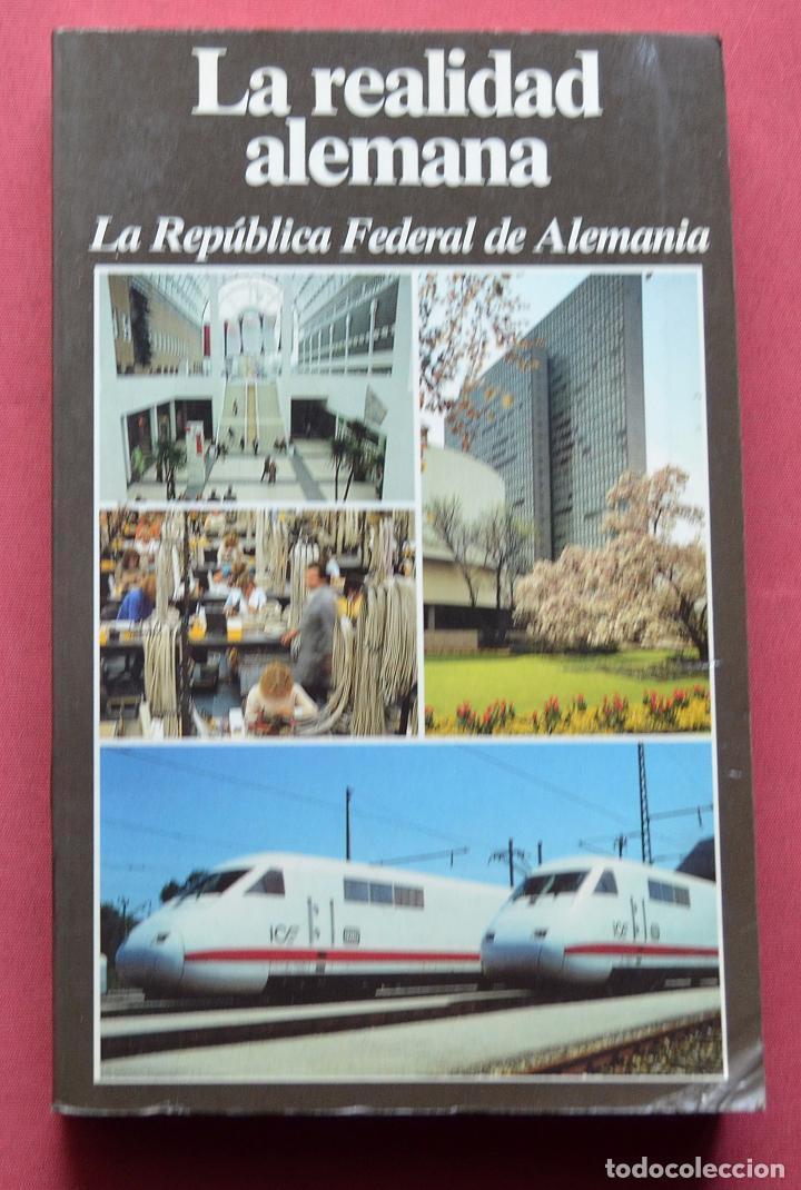LA REALIDAD ALEMANA - LA REPUBLICA FEDERAL DE ALEMANIA - LEXIKON INSTITUT BERTELSMANN - 1985 (Libros de Segunda Mano - Historia - Otros)