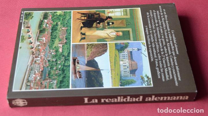 Libros de segunda mano: LA REALIDAD ALEMANA - LA REPUBLICA FEDERAL DE ALEMANIA - LEXIKON INSTITUT BERTELSMANN - 1985 - Foto 2 - 77768889