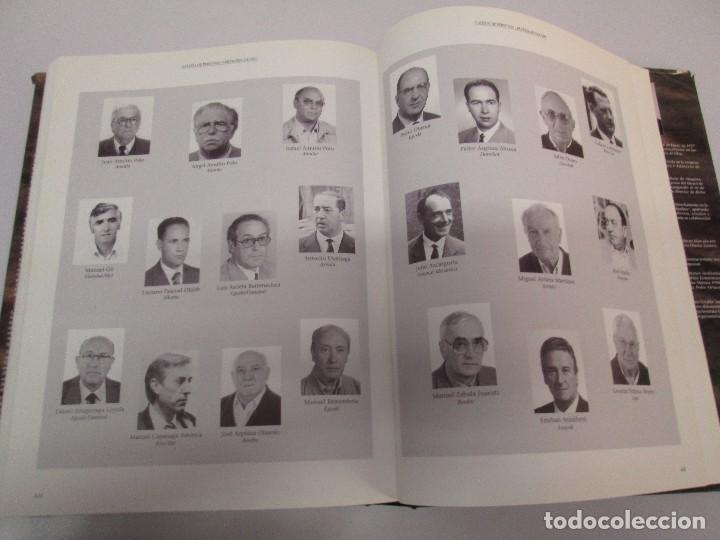 Libros de segunda mano: MAQUINAS Y HOMBRES. GUIA HISTORICA. MAKINAK ETA GIZAKIA. PATXI ALDABALDETRECU. 2000. VER FOTOS - Foto 36 - 83909732