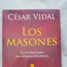 Libros de segunda mano: LOS MASONES. Lote 89488888