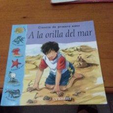 Libros de segunda mano: CIENCIA DE PRIMERA MANO. A LA ORILLA DEL MAR. LYNN HUGGINS COOPER. EST9B1. Lote 90628060