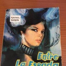 Libros de segunda mano: LIBRO. ENTRE LA ESPADA Y LA PARED. RAFAEL BARÓN. 1966. EDICIONES CID. Lote 92243299
