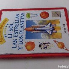 Libros de segunda mano: EL SOL, LAS ESTRELLAS Y LOS PLANETAS-PREGUNTAS Y RESPUESTAS Nº 10-EVEREST-. Lote 98607655