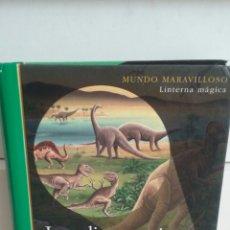 Libros de segunda mano: LOS DINOSAURIOS.MUNDO MARAVILLOSO.LINTERNA MÁGICA.SM.. Lote 98798392