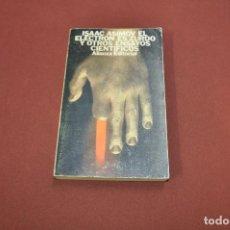 Libros de segunda mano: EL ELECTRON ES ZURDO Y OTROS ENSAYOS CIENTIFICOS - ISAAC ASIMOV - ALIANZA EDITORIAL - CI1. Lote 100996751