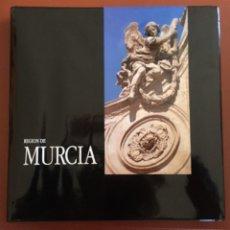 Libros de segunda mano: REGION DE MURCIA- FRANCISCO FLORES ARROYUELO ( FOTOGRAFIAS) 1.992. Lote 103067687