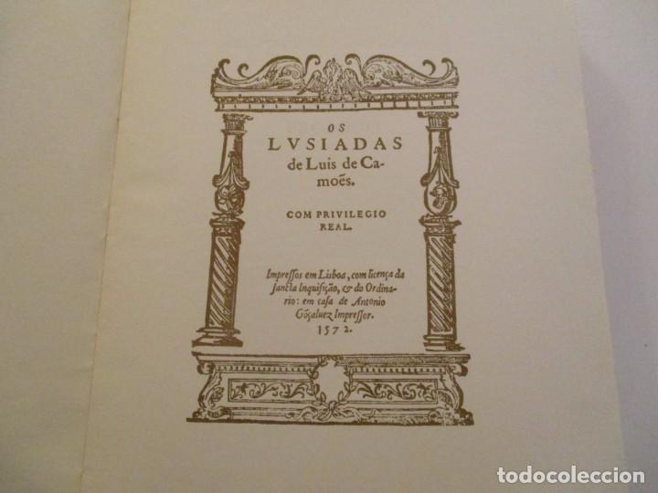 Libros de segunda mano: LUIS DE CAMOÊS. Os Lusiadas. Edición bilingüe. Facsímil. RM84430. - Foto 3 - 103773259