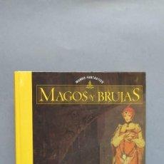 Libros de segunda mano: MAGOS Y BRUJAS. Lote 104551115