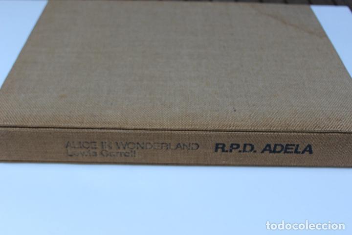 Libros de segunda mano: Alice in Wonderland. Lewis Carrol. R.P.D ADELA. Josep Carner. Marià Manent 1985. Libro artista único - Foto 2 - 104663355
