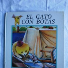 Libros de segunda mano: EL GATO CON BOTAS. Lote 105575715