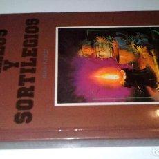 Libros de segunda mano: HECHIZOS Y SORTILEGIOS-HANS KROFER-LIBRUM, SA-DALMAU EDITORS 1989-FOTOS INDICE. Lote 106957179