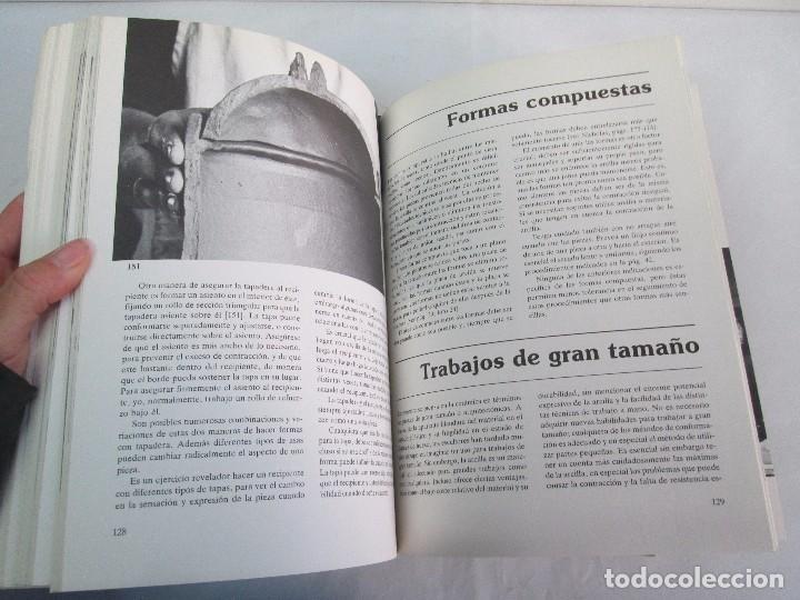 Libros de segunda mano: CERAMICA A MANO. CERAMICA CREATIVA. CERAMICA Y ALFARERIA POPULARES DE ESPAÑA. 3 LIBROS. VER FOTOS - Foto 15 - 110982387