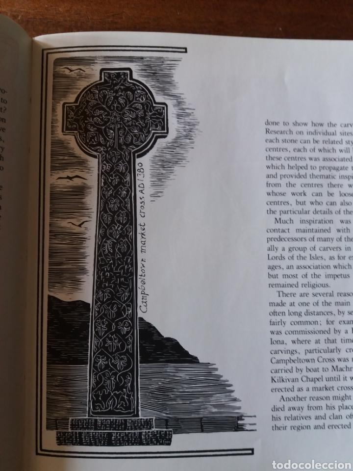 Libros de segunda mano: Celtic art - Ornament 1979 - Foto 3 - 111678719