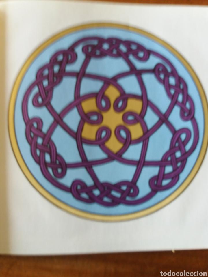 Libros de segunda mano: Celtic art - Ornament 1979 - Foto 4 - 111678719