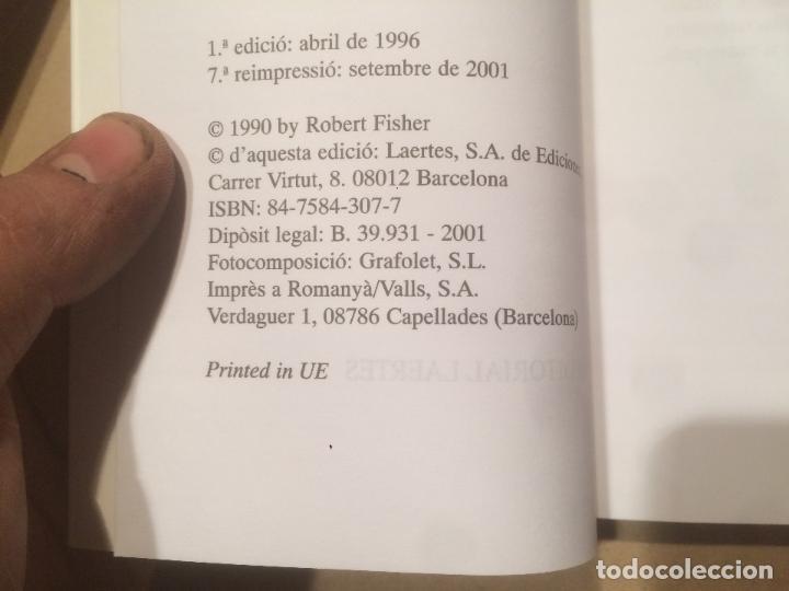 Libros de segunda mano: Antiguo libro el cavaller de l'armadura rovellada escrito por Robert Fisher año 2001 - Foto 3 - 111930427