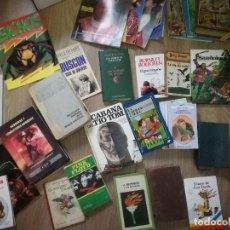 Libros de segunda mano: LOTE DE LIBROS, REVISTAS, ETC. LO QUE SE VE EN LAS FOTOS.. Lote 111997143