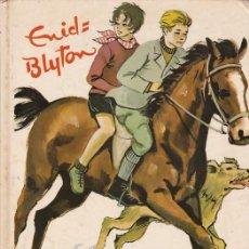 Libros de segunda mano: ENID BLYTON - LOS CINCO EN EL PÁRAMO MISTERIOSO - EDITORIAL JUVENTUD 1975 / ILUSTRADO. Lote 112991139