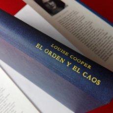 Libros de segunda mano: LIBRO-EL SEÑOR DEL TIEMPO-EL ORDEN Y EL CAOS-LOUISE COOPER.1987-C. DE LECTORES-SOBRECUBIERTA-1991. Lote 120151043