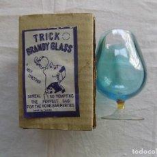 Libros de segunda mano: LIBRERIA GHOTICA. OBJETO DE MAGIA: TRICK BRANDY GLASS. COPA DE CRISTAL CON LIQUIDO.1980. Lote 124206827