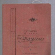 Libros de segunda mano: CARPETA DE MAGIA DE LA CASA MAGICUS CON JUEGOS Y CATALOGO GENERAL Y DE PRECIOS. 1953. VER FOTOS. Lote 124616175