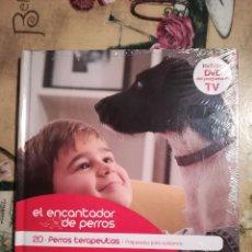 Libros de segunda mano: PERROS TERAPEUTAS - EL ENCANTADOR DE PERROS Nº 20 - CON DVD DEL PROGRAMA - PRECINTADO. Lote 128473243