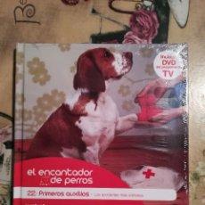 Libros de segunda mano: PRIMEROS AUXILIOS - EL ENCANTADOR DE PERROS Nº 22 - CON DVD DEL PROGRAMA - PRECINTADO. Lote 128473503