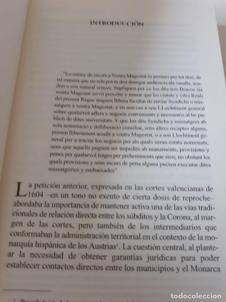 Libros de segunda mano: EL MUNICIPIO EN LA CORTE DE LOS AUSTRIAS. Síndicos y embajadas en Orihuela BERNABÉ GIL, David - Foto 4 - 165313350