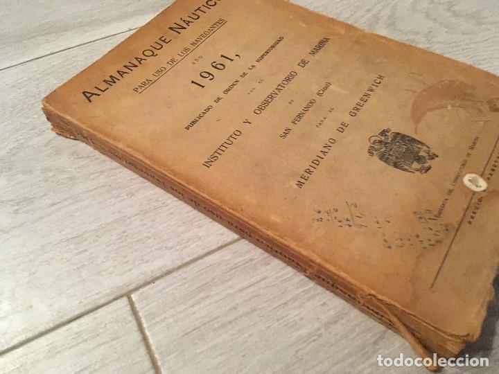 Libros de segunda mano: ALMANAQUE NÁUTICO 1961 INSTITUTO OBSERVATORIO DE LA MARINA SAN FERNANDO - Foto 4 - 130631130
