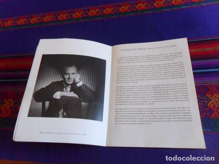Libros de segunda mano: MANOLO BLAHNÍK, EL ARTE DEL ZAPATO. MUSEO NACIONAL DE ARTES DECORATIVAS. 2017. - Foto 2 - 130786648