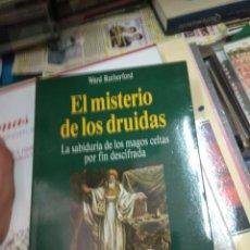 Libros de segunda mano: WARD RUTHERFORD EL MISTERIO DE LOS DRUIDAS. Lote 131231586