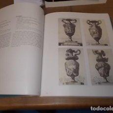 Libros de segunda mano: FORMAS Y AMBIENTES. LAS COLECCIONES DEL MUSEO DE ARTES DECORATIVAS DE PRAGA. 1ª EDICIÓN 2005. . Lote 132433714
