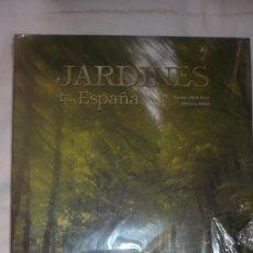 Libros de segunda mano: JARDINES DE ESPAÑA NUEVO SIN DESPRECINTAR. Lote 133239186