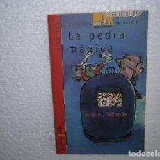 Libros de segunda mano: LA PEDRA MÀGICA. Lote 133371138