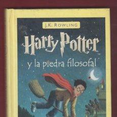Libros de segunda mano: HARRY POTTER Y LA PIEDRA FILOSOFAL. POR: J. K. ROWLING, EDICIONES-SALAMANDRA. 254 PÁGINAS. LL2640. Lote 134502954
