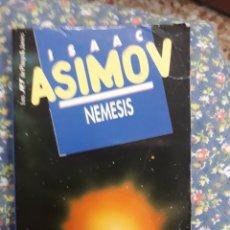 Libros de segunda mano: LIBRO: NÚM 136.- NEMESIS DE ISAAC ASIMOV. Lote 136177354