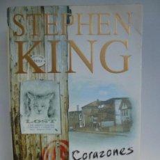 Libros de segunda mano: CORAZONES EN LA ATLÁNTIDA. STEPHEN KING. FORMATO GRANDE.. Lote 143741665