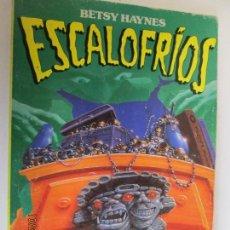 Libros de segunda mano: ESCALOFRIOS EL COLGANTE MALDITO - BETSY HAYNES. Lote 137940758