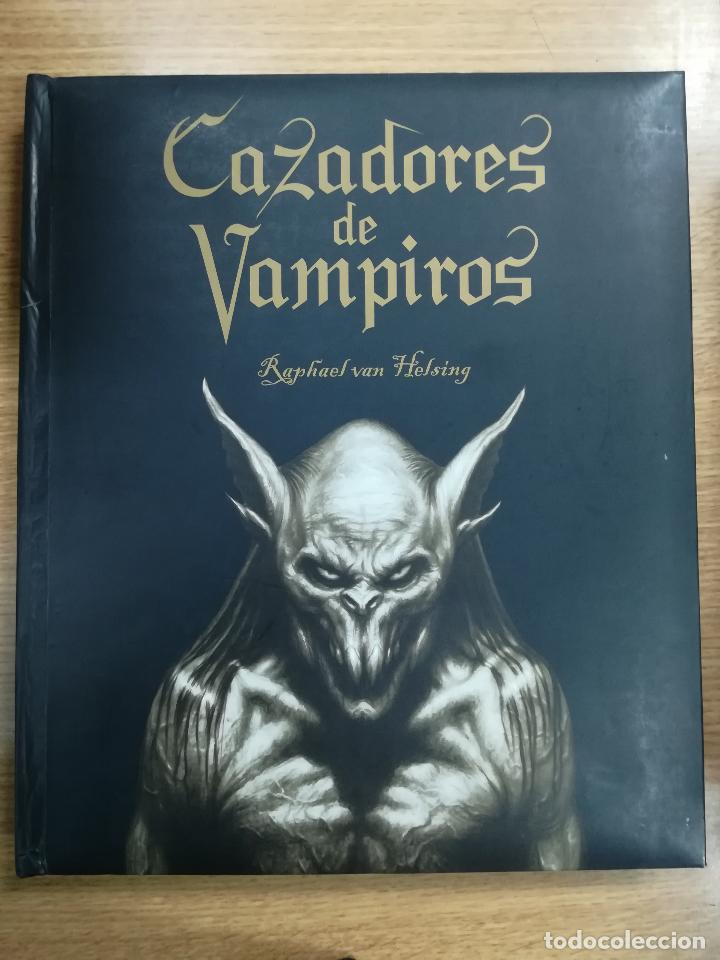 CAZADORES DE VAMPIROS (RAPAHEL VAN HELSING) (MONTENA) (Libros de Segunda Mano - Parapsicología y Esoterismo - Otros)