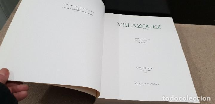 Libros de segunda mano: VELAZQUEZ...CATALOGO...MUSEO DEL PRADO...1990.. - Foto 2 - 142034410