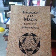 Libros de segunda mano: INICIACION A LA MAGIA. Lote 143595920