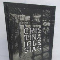 Libros de segunda mano: CRISTINA IGLESIAS. INSTITUTO CERVANTES. EDICION BILINGÜE. 2007. VER FOTOGRAFIAS ADJUNTAS. Lote 145106394