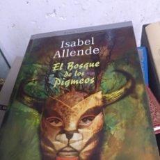 Libros de segunda mano: EL BOSQUE DE LOS PIGMEOS ISABEL ALLENDE EDIT MONTENA. Lote 147105208