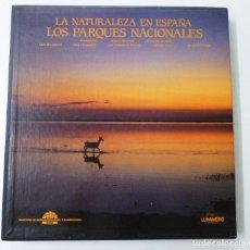 Libros de segunda mano: LA NATURALEZA EN ESPAÑA LOS PARQUES NACIONALES EDICION EN ESPAÑOL Y EN INGLES LUNWERG ESTUCHE. Lote 149741106