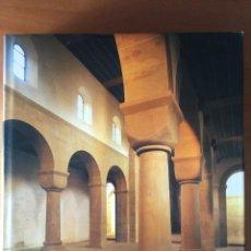 Libros de segunda mano: EL ROMANICO. ARQUITECTURA. ESCULTURA. PINTURA.. Lote 150542122