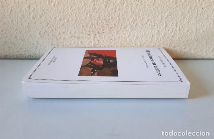 Gebrauchte Bücher: EVELYN WAUGH / HOMBRES EN ARMAS / CÁTEDRA 2003 (1ª EDICIÓN) LETRAS UNIVERSALES - Foto 4 - 150986334