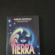 Libros de segunda mano: BARBARA MARCINIAK, TIERRA LAS CLAVES PLEYADIANASDE LA BIBLIOTECA VIVIENTE. Lote 151452966