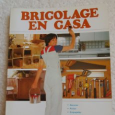 Libros de segunda mano: LIBRO BRICOLAGE EN CASA, OBSEQUIO DE LA CAJA DE AHORROS DE CUENCA. Lote 152532234