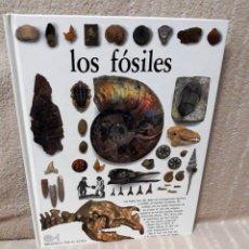 Libros de segunda mano: LOS FÓSILES - PAUL D. TAYLOR - BIBLIOTECA VISUAL ALTEA. Lote 154140454