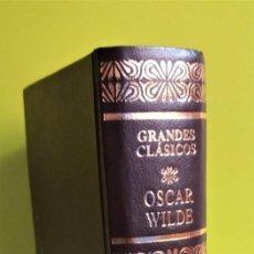 Libros de segunda mano: OBRAS COMPLETAS EN UN TOMO OSCAR WILDE -- AGUILAR. Lote 154357618