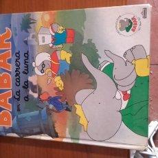 Libros de segunda mano: BABAR EN LA CARRERA A LA LUNA 1990. Lote 157015270